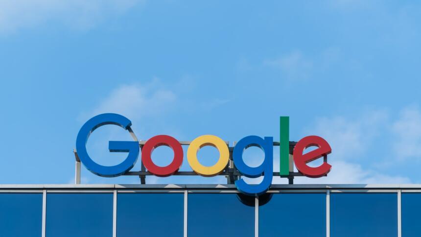 Google Logo auf Gebäude