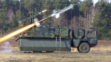 Die raketenförmige CL-289 wurde wie ihre Vorgängerin mit Raketen gestartet, die Landung erfolgte per Fallschirm.