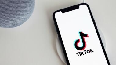 TikTok Logo auf Handy