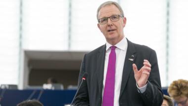 Angeblich bedauert die CDU, dass nun doch Uploadfilter drohen. Gleichzeitig setzt sich der CDU-Europaabgeordnete Axel Voss sogar noch für Verschärfungen ein.