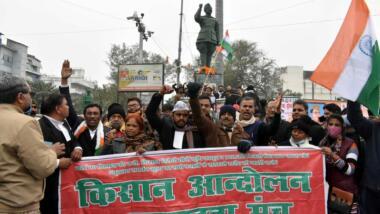 Proteste von Kleinbauern führen zu einer angeordneten Sperre von mehreren hundert Twitter-Accounts durch die indische Regierung.
