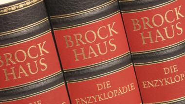 Buchrücken der Brockhaus-Enzyklopädie