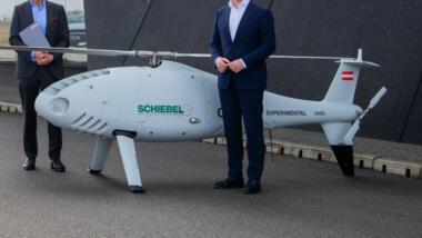 Flüge mit der großen Helikopterdrohne darf ihr Hersteller jetzt europaweit selbst autorisieren. Das erweitert das Einsatzspektrum enorm.