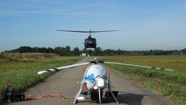 """""""Manned-Unmanned-Teaming"""" mit Helikopterdrohne."""