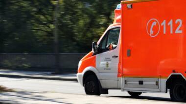 Ein Rettungswagen mit der Aufschrift 112