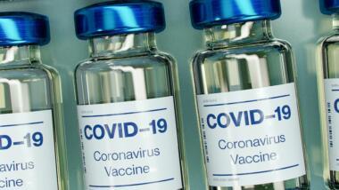 Bild von Covid-19-Impfstoffampullen
