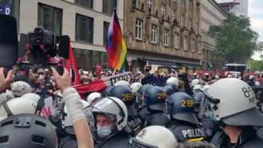 Polizei auf einer Demo