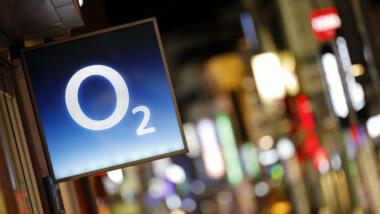 Eine Recherche von netzpolitik.org hatte aufgedeckt, dass viele Betreiber:innen von o2-Shops ihren Kundinnen und Kunden Einwilligungen unterschieben.