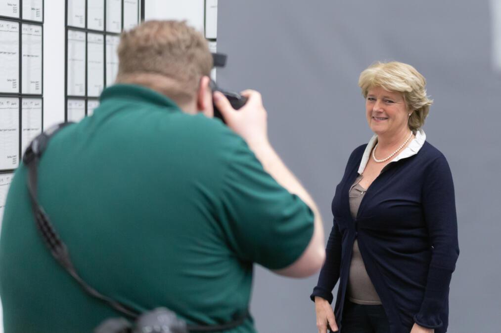 Monika Grütters, CDU, wird beim Wikipedia-Bundestagsprojekt fotografiert