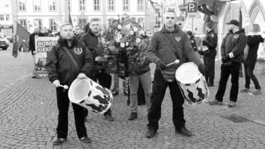Nazis trommeln