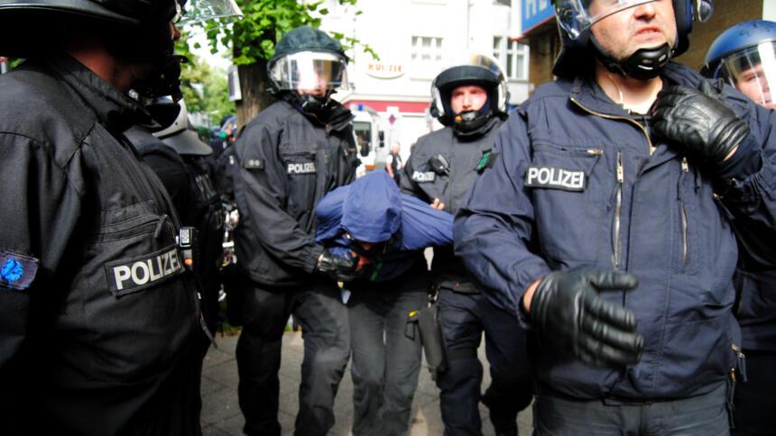 Polizei nimmt Person fest