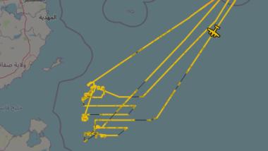 Die Grafik zeigt das Seegebiet vor Libyen, auf demdie Flüge von Frontex mittels verwobener Linien dargestellt sind.