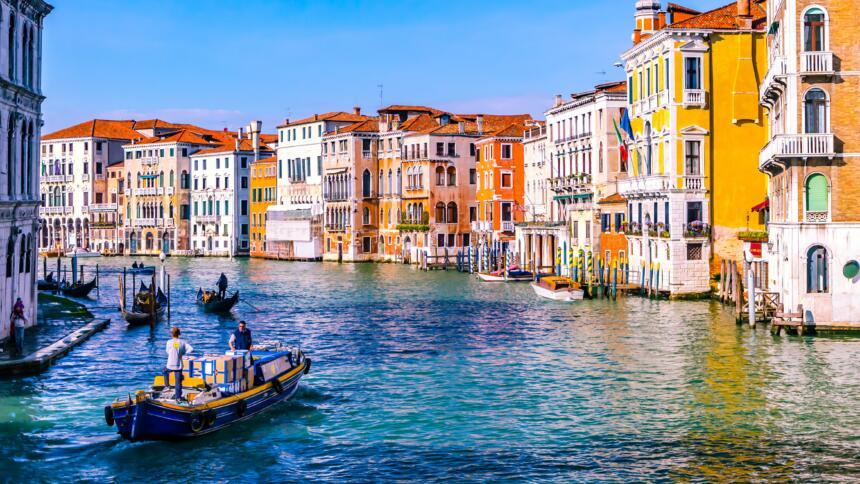 Kanal und Häuserreihe in Venedig