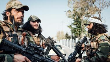 Taliban auf einem Pick-Up-Truck