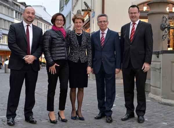 """Die InnenministerInnen von Luxemburg, Österreich, der Schweiz, Deutschland und Liechtenstein wollen """" terroristische Inhalte möglichst rasch aus dem Internet"""" löschen."""