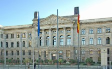 Sitz des Bundesrats in Berlin. CC BY 2.0, via wikipedia/campsmum / Patrick Jayne and Thomas