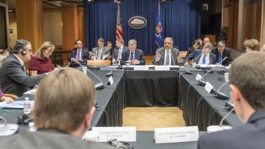 """""""EU-USA Ministertreffen"""" im November 2013 mit Eric Holder, der hierzulande als """"Justizminister"""" bezeichnete US-Generalbundesanwalt"""