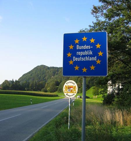 """Nach Ausbau der heimlichen Fahndung sollen an den Binnengrenzen wieder """"gezielte Grenzkontrollen"""" Einzug halten."""