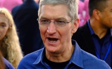 Apple-Chef Tim Cook weigert sich lauthals, Hintertüren in IT-Produkte einzubauen. CC BY-NC-ND 2.0, via flickr/Josh Lowensohn