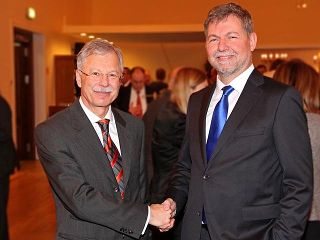 Alter und neuer MAD-Präsident: Ulrich Birkenheier (l.) und Christof Gramm (r.). Bild: Bundeswehr/Alves.