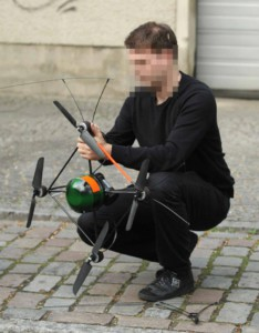 Die Drohne der Firma AirRobot bei der Berliner Polizei.