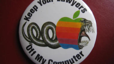 "Button ""Apple, keep your lawyers off my computer"""