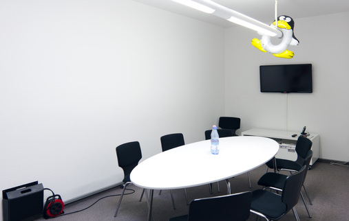 meeting-room-berlin-office-open_2