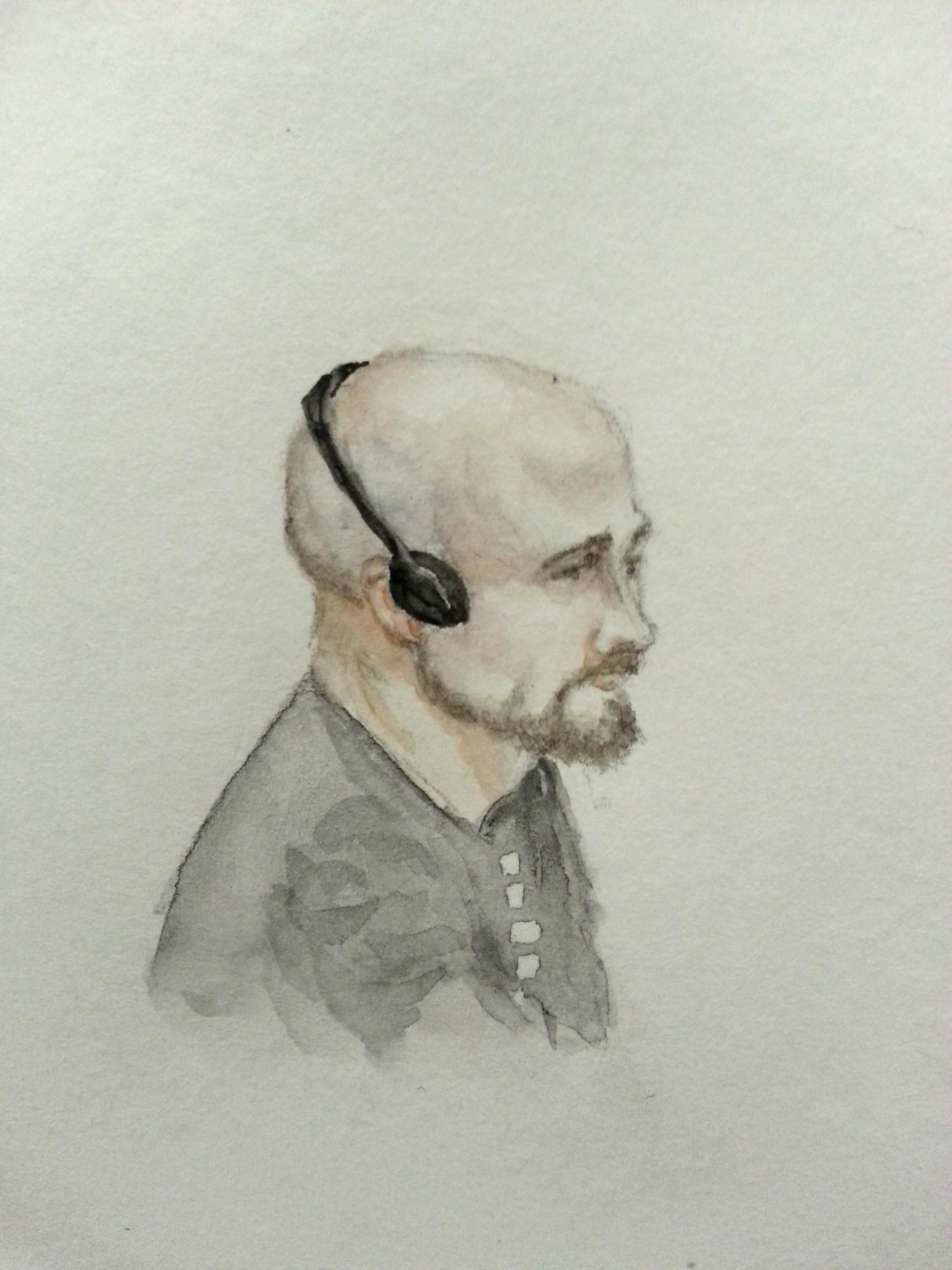Zeuge Brandon Bryant bei seiner Anhörung. Zeichnung: Stella Schiffczyk.