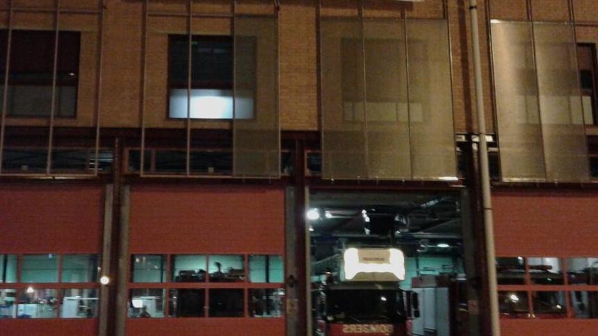 Solidaritätsaktion von Feuerwehrleuten in Barcelona nach Verhaftung eines ihrer Kollegen.