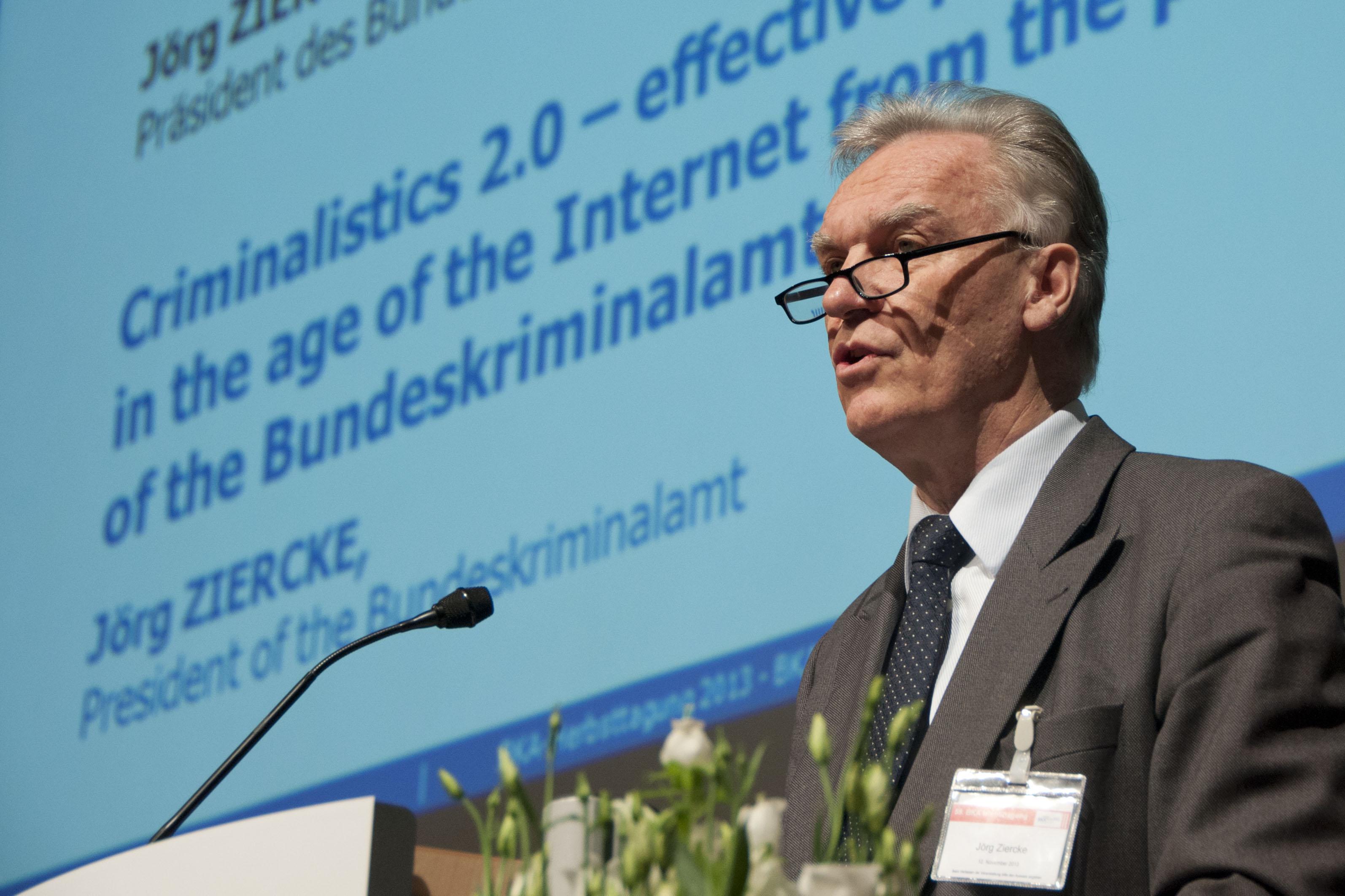 Jörg Ziercke auf der Herbsttagung 2013.